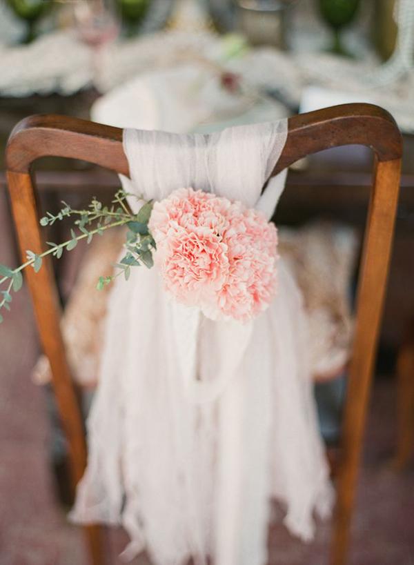 ιδεες-στολισμου-καρεκλας-για-γαμο (1)