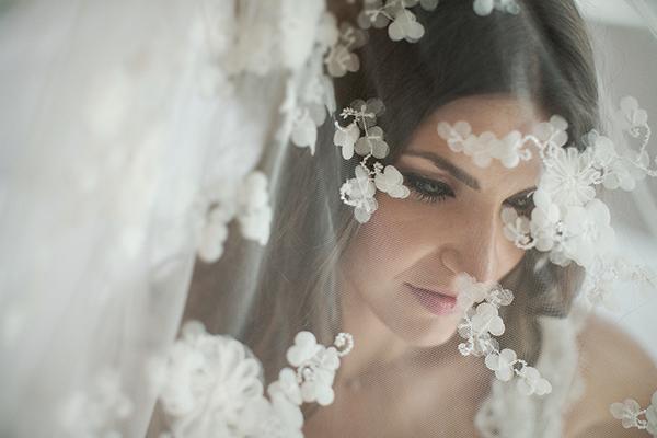 αξεσουαρ-νυφης-νυφικο-πεπλο