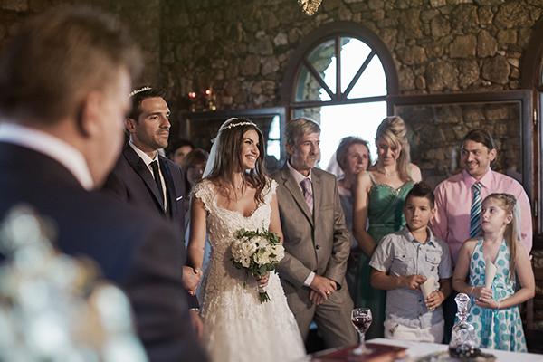 γαμος-στη-θεσσαλονικη-ανθοδεσμη-με-παιωνιες