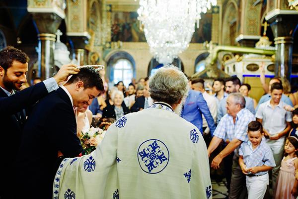 γαμος-σε-νησι-εκκλησια