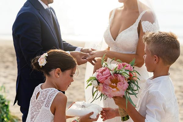 Μπουκετο-νυφης-με-ροζ-λουλουδια
