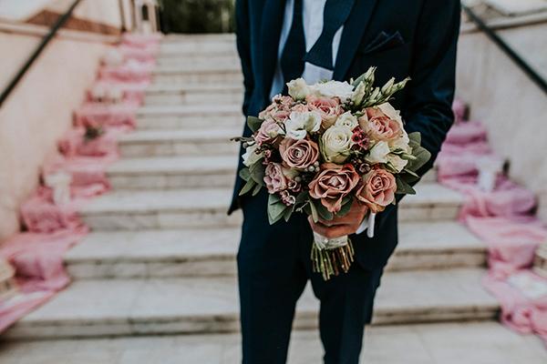 νυφικη-ανθοδεσμη-ροζ-τριανταφυλλα (1)