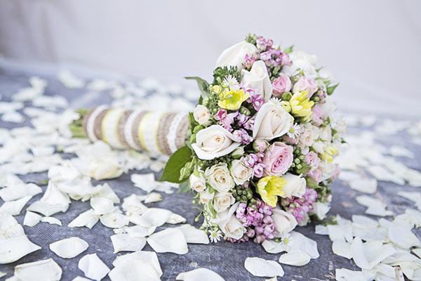 μπουκετο-νυφης-τριανταφυλλα