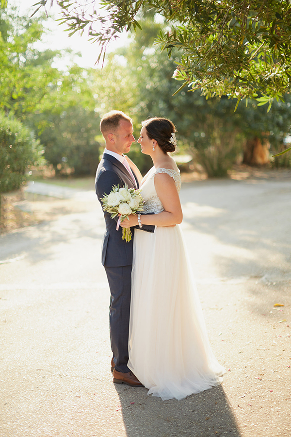 romantic-wedding-olive-themed (15)
