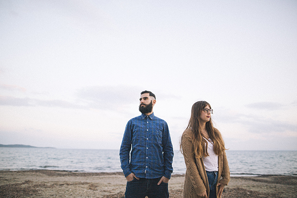winter-engagement-photoshoot-at-the-beach (5)