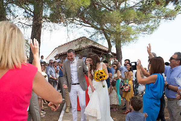 fall-wedding-xanthi-sunflowers-27