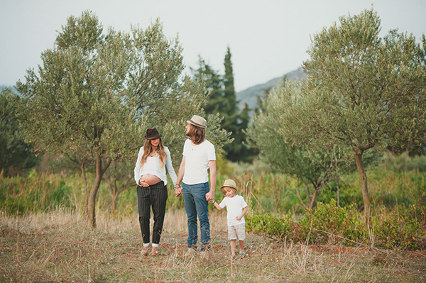 lovely-maternity-session-lake-11