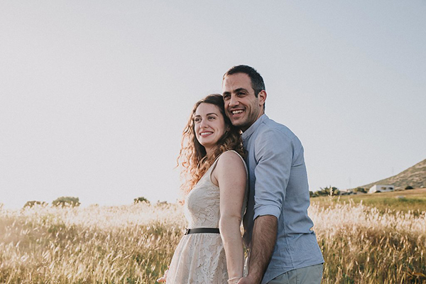 beautiful-engagement-session-lagonissi-1