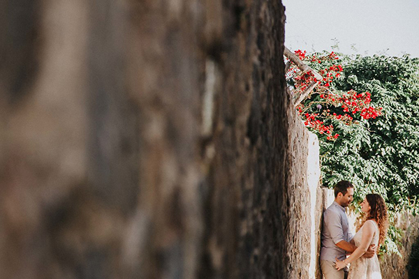 beautiful-engagement-session-lagonissi-8