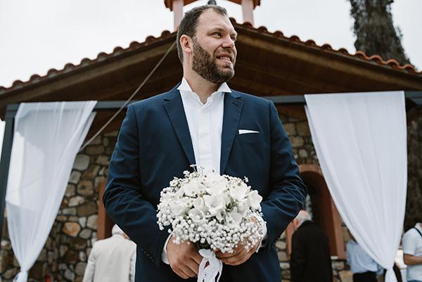pretty-spring-wedding-xanthi-19