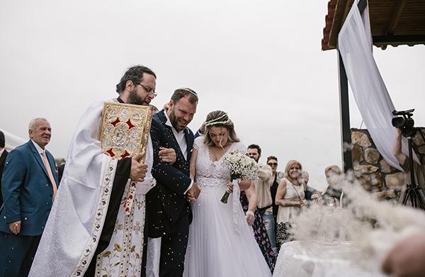 pretty-spring-wedding-xanthi-25