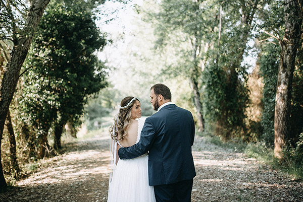 pretty-spring-wedding-xanthi-35