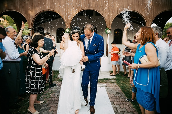 beautiful-wedding-by-the-sea-18