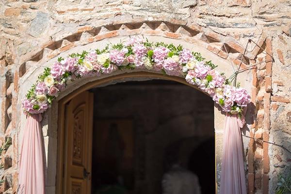 floral-baptism-ideas-12