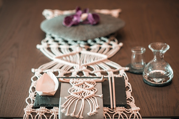 macrame-dreamcatcher-wedding-favors-2