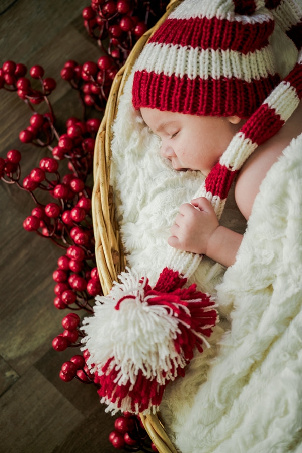 the-cutest-christmas-newborn-session-10