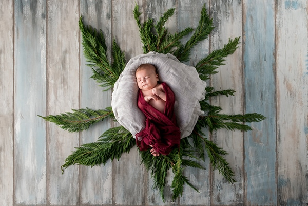 the-cutest-christmas-newborn-session-6