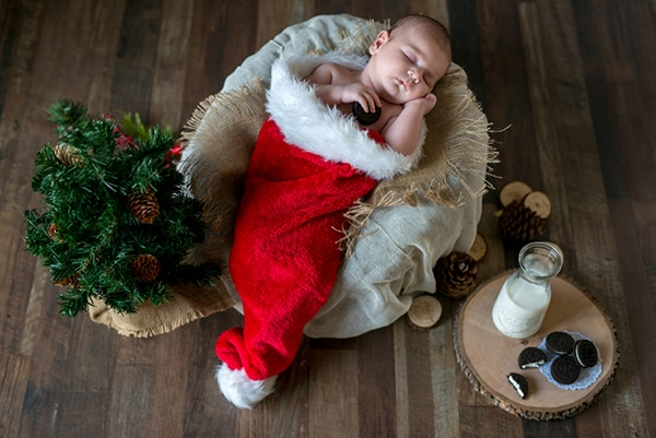 the-cutest-christmas-newborn-session-8