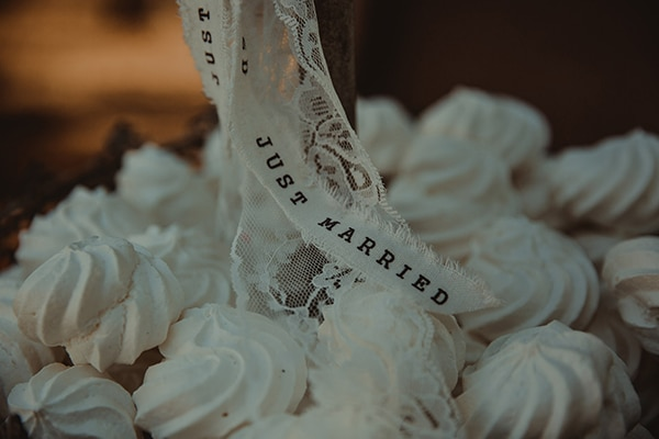 romantic-rustic-wedding-with-babys-breath_10