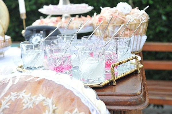vintage-white-pink-peach-hues-wedding_11