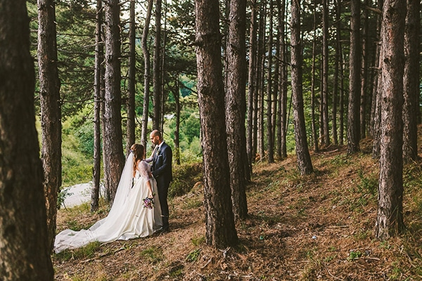 beautiful-romantic-wedding-forest_01