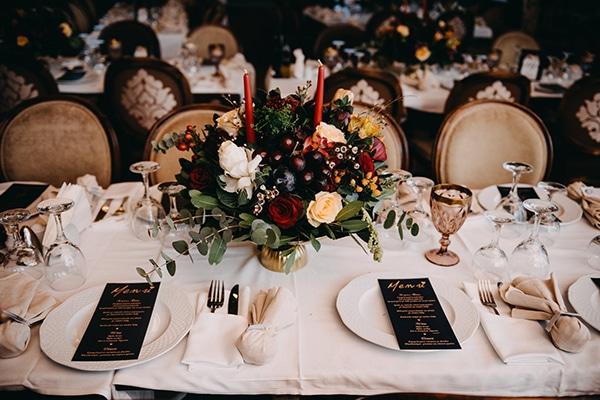 fairytale-winter-wedding-burgundy-colour_17