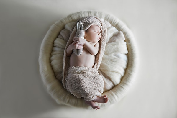sweet-newborn-session-earthy-tones_05
