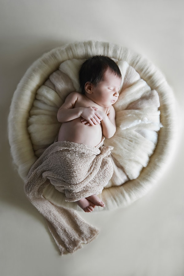sweet-newborn-session-earthy-tones_07