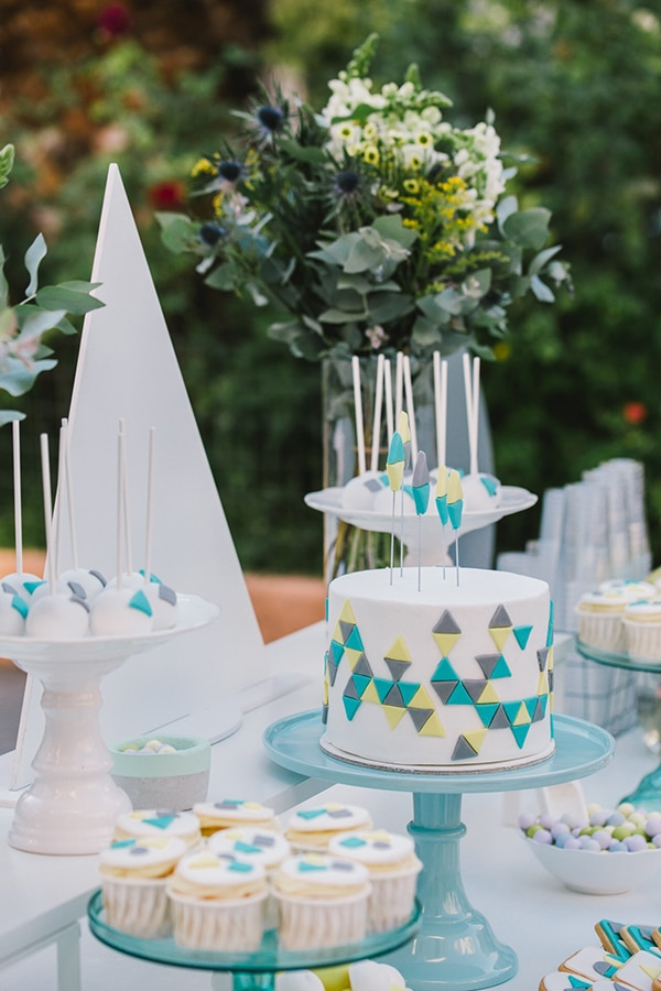 beautiful-geometric-shapes-themed-baptism-decoration_05x