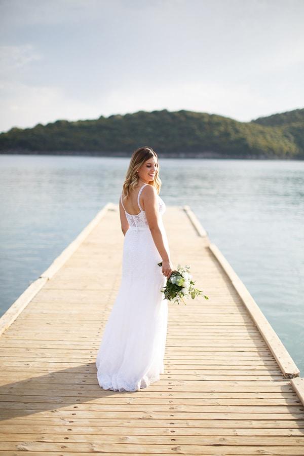gorgeous-wedding-syvota-minimal-tones_43x