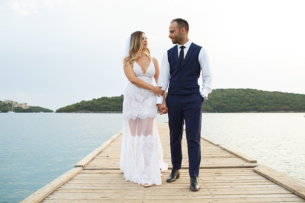 gorgeous-wedding-syvota-minimal-tones_44