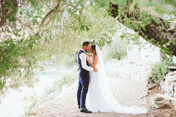 gorgeous-wedding-syvota-minimal-tones_46