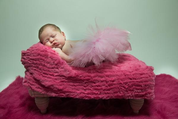 sweet-newborn-session-pink-hues_05