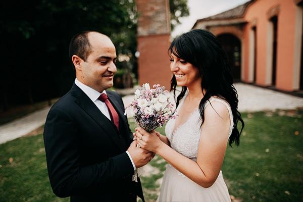 8c88eea2873f Όμορφος πολιτικός γάμος στα Τρίκαλα