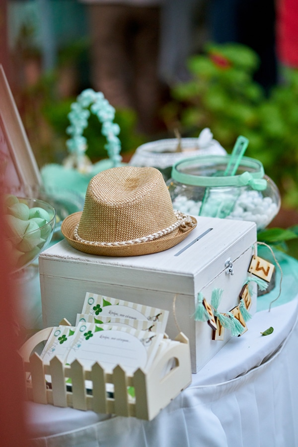 beautiful-garden-themed-baptism-mint-hues_07
