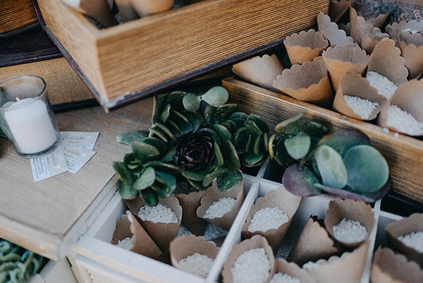 beautiful-natural-wedding-succulents_13