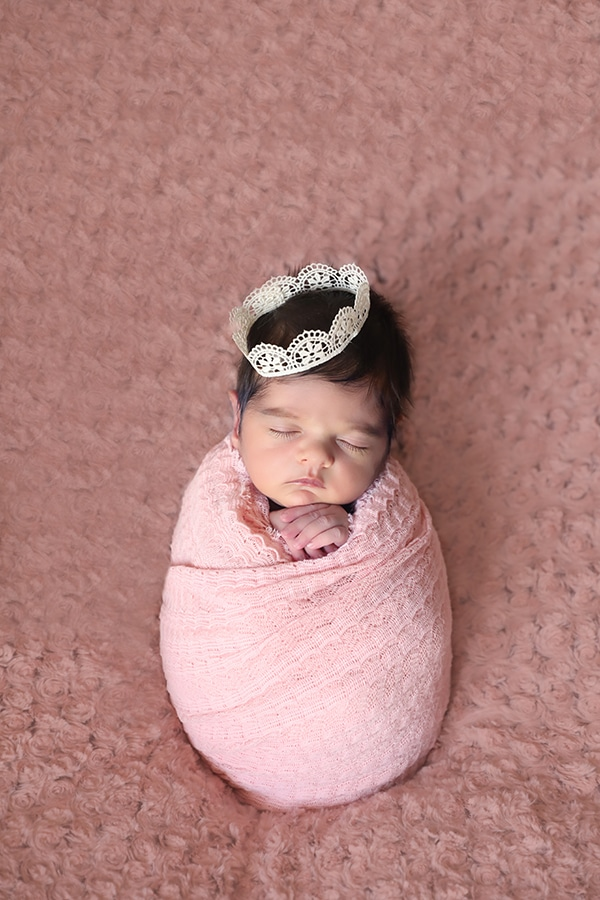 cute-newborn-photoshoot-pink-hues_03