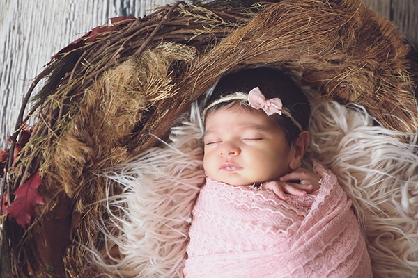 cute-newborn-photoshoot-pink-hues_07