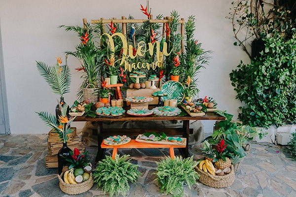 beautiful-baptism-ideas-tropical-theme_08