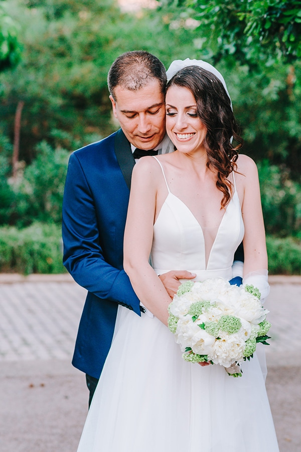 chic-wedding-fresh-white-flowers_01