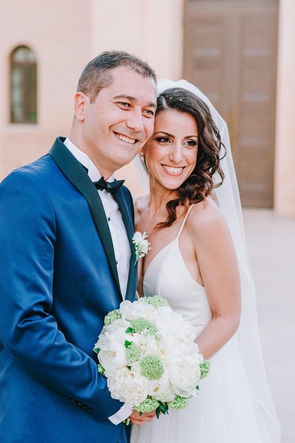 chic-wedding-fresh-white-flowers_02