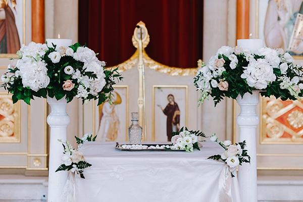 chic-wedding-fresh-white-flowers_14