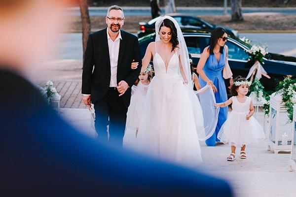 chic-wedding-fresh-white-flowers_19