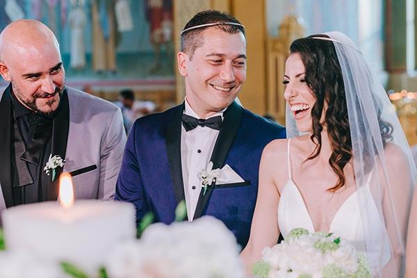 chic-wedding-fresh-white-flowers_21
