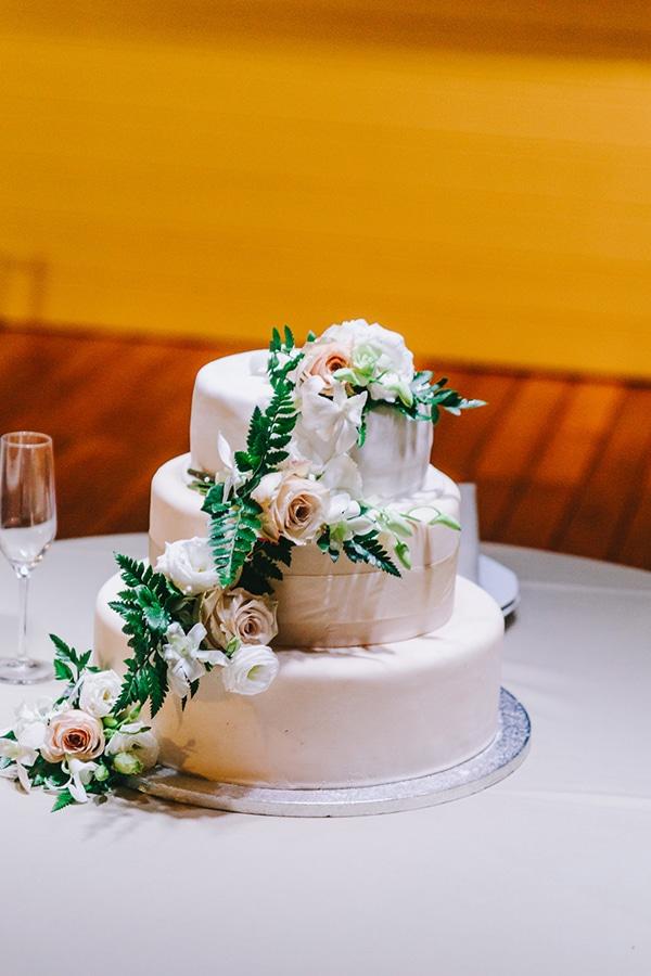 chic-wedding-fresh-white-flowers_26