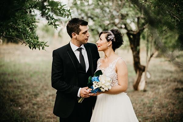 f763be5d6854 Ρομαντικός γάμος με λευκές και μπλε αποχρώσεις