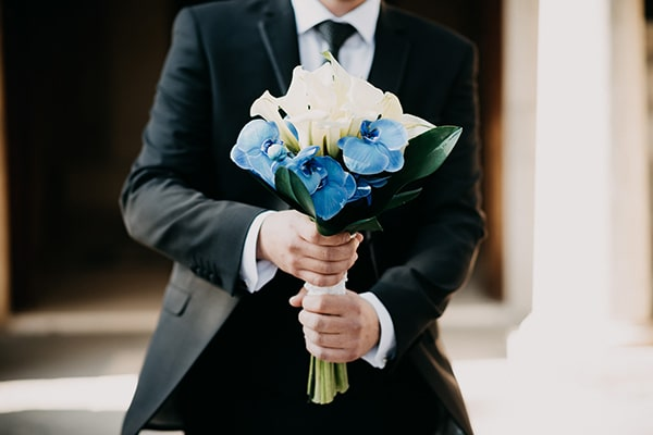 romantic-wedding-white-blue-hues_19