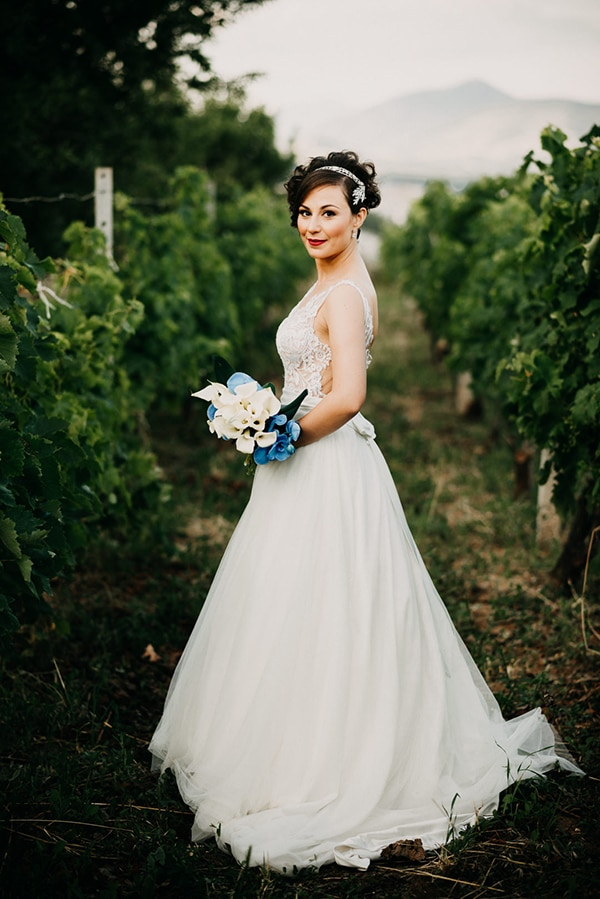 romantic-wedding-white-blue-hues_26