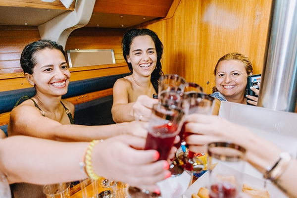 unique-bachelorette-party-sailing-boat_19