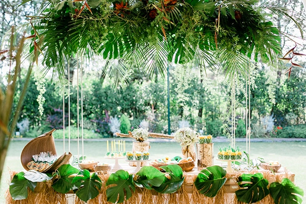 unique-decoration-ideas-tropical-baptism_04